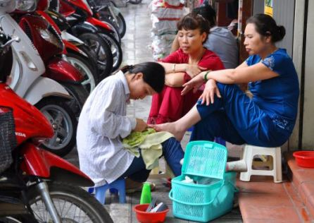 ped hanoi-streets-4