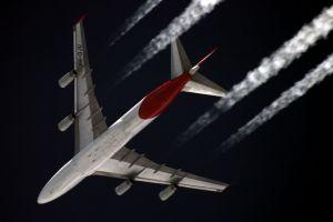 qantas_boeing_747-400_vh-oju_over_starbeyevo_kustov